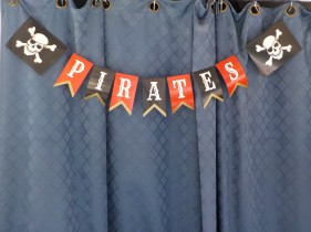 Pirates sign
