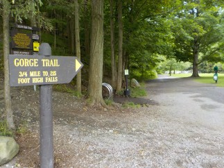 TF Gorge Trail sign